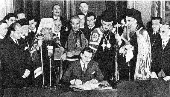 Gov. Thomas Dewey of New York signs the bill creating the Federation